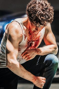 Little Favour - great lighting on those guns!