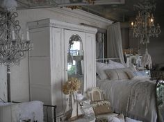 Posh on Palm, Sarasota FL, store owned by Mark & Susie - the best home decor store ever