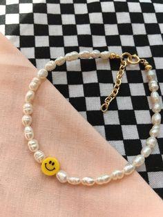 Cute Jewelry, Beaded Jewelry, Jewelry Accessories, Handmade Jewelry, Cute Bracelets, Bracelets For Men, Beaded Bracelets, Pulseras Kandi, Smileys
