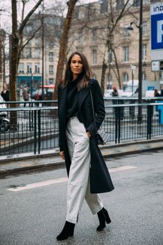 See Every Unforgettable Street Style Outfit From Paris Fashion Week Right Here, Right Now Fashion Week Paris, Street Fashion, Fashion Pants, Fashion Outfits, Fashion Trends, Fashion Bloggers, Fashion News, Normcore Fashion, Women's Fashion