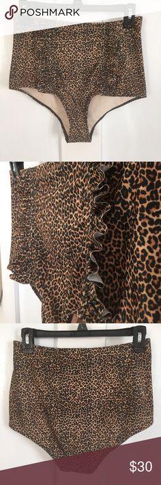 Kortni Jeane ruffled up bottoms NWOT Cheetah print ruffled up bottoms  Size Medium kortni jeane Swim