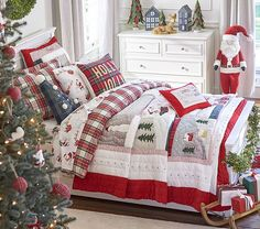 Christmas Bedroom Decor: 25 Ideas for a Cozy Holiday Bedroom! : Page 6 of 25 : Creative Vision Design Christmas Scenes, Plaid Christmas, Christmas Colors, Christmas Holidays, Christmas Movies, Christmas Ideas, Christmas Christmas, Xmas, Christmas Costumes