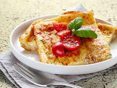 Peruna-tonnikalapannari - täytyy kokeilla! Fodmap, Hummus, French Toast, Baking, Breakfast, Ethnic Recipes, Kala, Food, Dinners