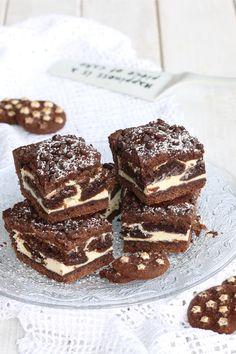 Cheese cake recipes mini sweet treats 41 ideas for 2019 Cheesecake Bites, Cheesecake Recipes, Happiness Recipe, Gateaux Cake, Mini Cheesecakes, Food Menu, Chocolate Recipes, Love Food, Sweet Recipes
