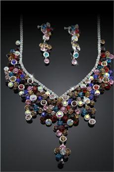 Fantástico  conjunto de joyas de diamantes de imitación en forma de flor  (incluye el collar y los pendientes)