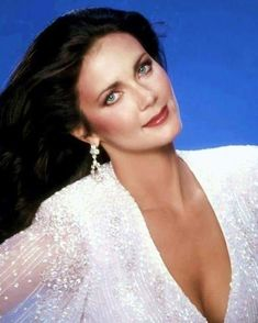 Lynda Carter, Wonder Woman Pictures, Victoria Principal, Beautiful People, Beautiful Women, Models Makeup, Vintage Hollywood, Classic Beauty, Beautiful Actresses