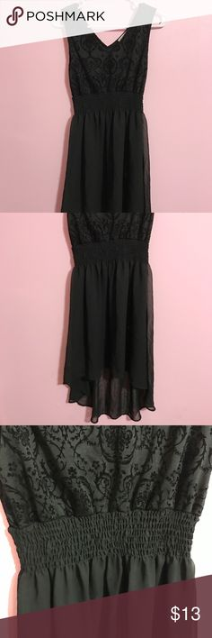 Black High Low Dress Never worn! •Size: S •Color: Black •Brand: no brand listed, Fashion Nova listed for exposure •Chiffon material (bottom) Fashion Nova Dresses High Low