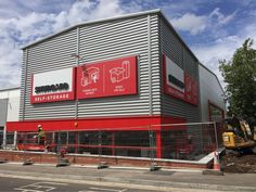 Finishing touches to @kingspanpanels for Shurgard storage - Chingford #IRCdeliveragain