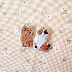 刺繍 ブローチ