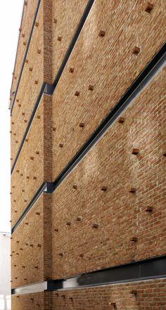 NoXX Apartment / CM Architecture