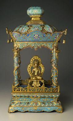 爱 Chinoiserie? Mais Qui! 爱 home decor in Chinese Chippendale style - Chinese Shrine- Image Bodhisattva,  c. 1750