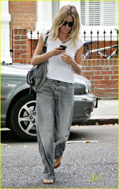 Sienna Miller Rocks Baggy Jeans