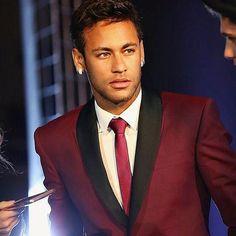 Psg, Brazilian Soccer Players, Neymar Jr Wallpapers, Neymar Pic, African Men Fashion, Cute Faces, Lionel Messi, Football Players, Ronaldo