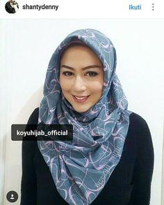 Asalamualaikum... Mau ksh tau nih hijab yg dipake sm teteh @shantydenny belinya di @koyuhijab_official Satu2 nya produsen hijab segiempatpasmina motif pastankhimar dgn harga terbaik pastinya.... Hijab nya mulai harga 25k...ada khimar nya juga loh di @sisterkoyu168  Jgn lp cek IG nya @koyuhijab_official @koyuhijab_official @koyuhijab_official  Atau lgsg line id nya @ koyuhijab(pakai @) ya.... Hijab nya bagus bagus bgt.... Buktikan ya ... http://ift.tt/2f12zSN