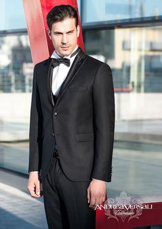 L'uomo che vuole un abito da cerimonia impeccabile sceglie L'Uomo Griffe, tra Mantova e Verona. Adatto per lauree, battesimi, e occasioni speciali.