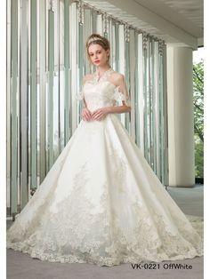 「VK0221」をご紹介!ミカドシルクの王道Aライン。刺繍は細かく、大人美しい花嫁様向けデザイン。バックスタイルは繊細な刺繍が一面に広がる美しさ。ケープはバックコンシャスが華やかなデザイン。ウェディングドレス・その他衣装の写真付き口コミは10,000件以上!カラーやテイストからドレスを検索できる他、全国のドレスショップのおすすめ情報が満載! Cute Wedding Dress, One Shoulder Wedding Dress, Wedding Dresses, Contemporary, Google, Fashion, Weddings, Dress, Dress Wedding