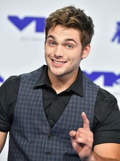 General picture of Dylan Sprayberry - Photo 4 of 473
