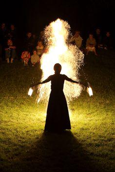 Lara Castiglioni. Spectacle Neige de feu à Alise-Sainte-Reine. Festival des Nuits Peplum d'Alésia 26 juillet 2014. Photo Gaëlle Michéa.