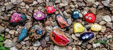Rock Out with Rock Painting - Annie Swarm Guldberg Paint Pens, Paint Markers, Art Addiction, Round Rock, Kindness Rocks, Old Art, Art Activities, Rock Painting, Craft Stores