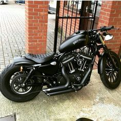 New Bobber Motorcycle Harley Davidson Iron 883 40 Ideas Harley Davidson Iron 883, Harley Davidson Custom Bike, Harley Davidson Motorcycles, Classic Harley Davidson, Harley 48, Harley Bobber, Harley Bikes, Bobber Motorcycle, Harley Sportster 1200