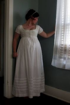 Brides petticoat and bodice? Bubble Costume, Regency Dress, Regency Era, Vintage Underwear, Period Outfit, Textiles, Historical Clothing, Fashion History, Fashion Outfits