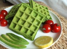 Recept Spinazie Wafels Healty Lunches, Healthy Snacks, Healthy Recipes, Tefal Snack Collection, High Energy Foods, Waffle Iron Recipes, Savory Waffles, Good Food, Yummy Food