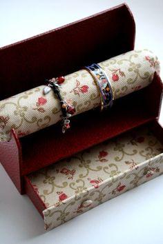 Porte bracelets : a serene life