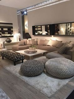 Discover the best luxury home decor inspiration selected for your next interior design project here. For more visit luxx Design Living Room, Cozy Living Rooms, Living Room Interior, Living Room Furniture, Living Room Decor, Living Spaces, Decoration Bedroom, Decoration Design, Wedding Decoration