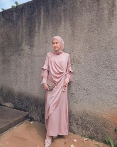 """OOTDKONDANGAN🔶BRIDESMAID on Instagram: """"Thank you for sharing the beautiful #kondanganoutfit today.. 🤗  Would you like to share a captivate kondangan inspiration of yours ??…"""""""
