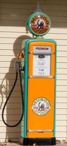 "6/"" DEEP ROCK MOTOR OILS GOES FURTHER GASOLINE GAS PUMP TANK DECAL"