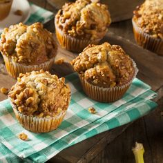 Weight Watchers Recipes: Easy healthy moist delicious apple pecan muffins recipe from Ellie Krieger is low in calories & smartpoints, breakfast, snack Healthy Muffin Recipes, Healthy Muffins, Tart Recipes, Dessert Recipes, Banana Recipes, Recipe For Butter Tarts, Canadian Butter Tarts, Tortas Light, Butter Tart Squares