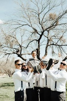 Fashion Groom and Groomsmen suits in gray for outdoor wedding in fall #wedding #weddinginspiration ##bridalparty #maidofhonor #weddingideas #weddingcolors #tulleandchantilly