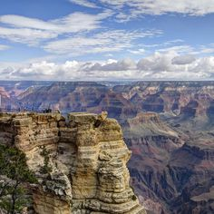 Grand Canyon National Park: Mather Point Pano Helicopter Tours from Las Vegas Grand Canyon South Rim, Grand Canyon National Park, Parque Nacional Do Grand Canyon, Pyramid Of Greatness, Grand Canyon Camping, Hotels, Helicopter Tour, Seven Wonders, Bon Voyage