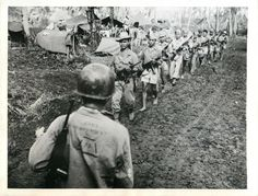 Filipino guerrillas under the command of Captain Jesus Olmedo come out to meet Major General A. Arnold at U. Army Division headquarters for a conference in History Online, Us History, O Donnell, Palawan, Military Life, Military History, Bataan Death March, Leyte, Pearl Harbor Attack