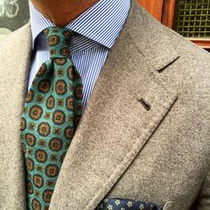 "Closeup from yesterday a Viola Milano ""Multi Floral self-tip wool - Verde"" tie & handrolled ""Floral Pattern - Army green"" pocket square…"