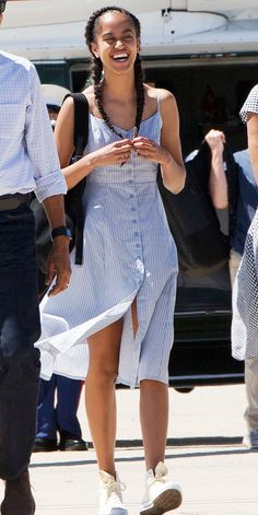 Take a Look at Malia Obama& Incredible Style Evolution Malia Obama, Barack Obama, Obama Daughter, First Daughter, Malia And Sasha, Barack And Michelle, Dress For You, Celebrity Style, Casual Outfits