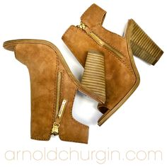 Arnold Churgin Xella #fashionblogger #canadianfashion #heels #shoefie #blockheels Beautiful Shoes, Block Heels, High Heels, Fall, Boots, Fashion, Fashion Styles, Cute Wedges Shoes, Autumn