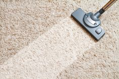 Oggi vogliamo insegnarvi una tecnica per pulire un tappeto sporco utilizzando aceto e bicarbonato. Tutto quello che dovete fare è...