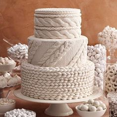 Amazing Cable-Knit Wedding Cake Inspired By Ohhio Yarn