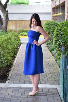 Make this perfect DIY wedding guest dress with this easy sewing tutorial!