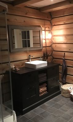 More pins like this -> ∘⚜∘Rustic Log Homes∘⚜∘ - Pinterest: Crackpot Baby 🍒 Colorado Mountain Homes, Lakehouse Decor, Cabin Interiors, Home, Cabin Decor, Log Homes, Rustic Home Design, Cabin Homes, Washroom Design