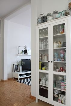 1000 images about interior on pinterest small dressing rooms bookshelf pa - Vitrine collection ikea ...