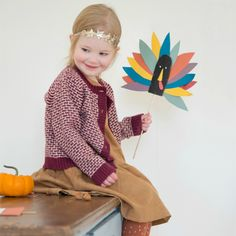 61 Cute + Quirky Thanksgiving Crafts for Kids