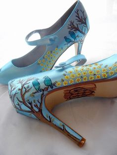 to inspire your Tiffany Blue Wedding! Check out our latest Tiffany blue wedding finds. Unique Shoes, Cute Shoes, Me Too Shoes, Awesome Shoes, Cool Hand Luke, Hand Painted Shoes, Shoe Art, Tiffany Blue, Shoe Collection