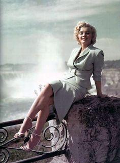 """Marilyn Monroe publicity still for """"Niagara"""""""