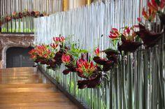 stijn simaeys - Buscar con Google Art Floral, Floral Design, Wedding Ceremony Decorations, Artist, Flowers, Plants, Inspiration, Google, Floral Shops