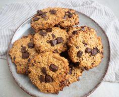 Sunde cookies - Opskrift på sunde småkager | Mummum.dk Muesli, Granola, Cookie Desserts, Cranberries, Eat Cake, Frozen, Zucchini, Paleo, Vegan