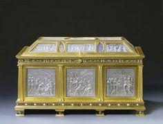 Arqueta que representa la Natividad, la Adoración de los Magos y la presentación en el templo. Tesoro de los Medici