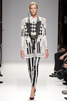 See the complete Balmain Spring 2013 Ready-to-Wear collection.