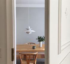 Dining Room Lighting, Home Lighting, Lighting Ideas, Scandinavian Interior Design, Style Vintage, Decoration, Home And Living, Modern Decor, Interior Decorating